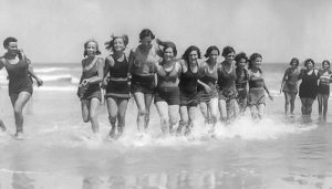 bathing-beauties-on-the-beach-at-the-villas-nj-in-the-nineteen-thirties-thom-fontannaz